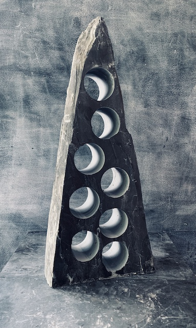 Triangular slate wine rack